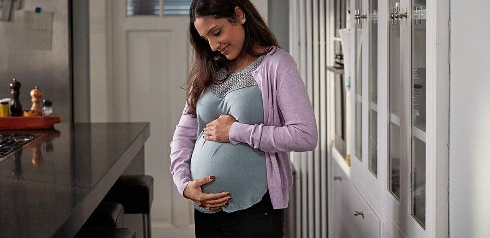 Embarazada preparando la llegada de su bebé